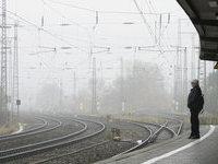 В США пассажирский поезд столкнулся с фурой