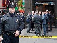 В Нью-Йорке сын отрезал матери голову и покончил с собой в метро