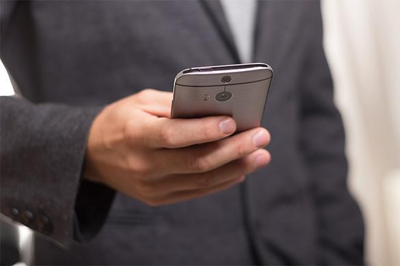 Житель США судится с девушкой из-за использования мобильника на свидании