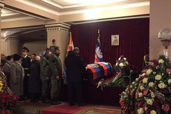 Эксперты: кто поднимет знамя героев Донбасса
