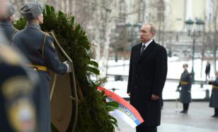 Владимир Путин 23 февраля проведет за работой