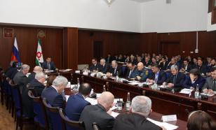 Глава Ингушетии Юнус-бек Евкуров отправил в отставку ингушский кабмин и предложил кандидатуру нового премьер-министра