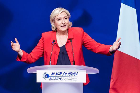 Ле Пен создает с Дюпоном-Эньяном предвыборный союз