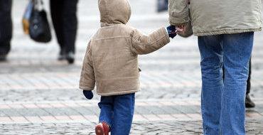 Эксперт: Чтобы решить проблему детей-сирот, нужно заниматься поддержкой семьи