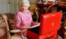 Елизавета II решилась доказать, что она жива