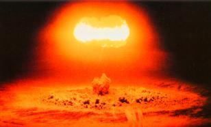 Трамп и Клинтон: Кто быстрее нажмет ядерную кнопку?