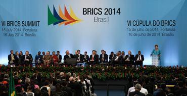 Александр Савченко: БРИКС со временем станет влиятельнее, чем G7
