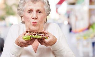Ученые: бабушки портят здоровье внуков