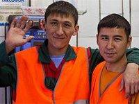 На трудовом рынке России азиатских мигрантов теснят украинские беженцы