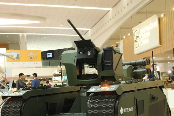 В Эстонии показали нового боевого робота