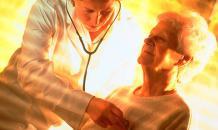 СМИ: Старикам могут запретить самостоятельно обращаться к врачу