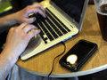 Пользователей Facebook напугали введением абонентской платы с 1 ноября