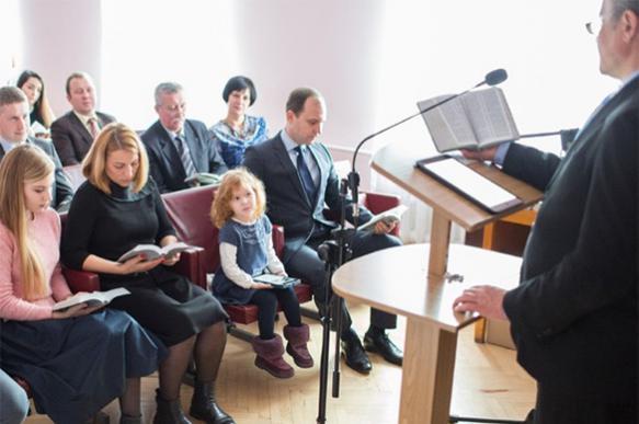 ЭКСПЕРТ — о послушной армии проповедников, управляемой из-за рубежа