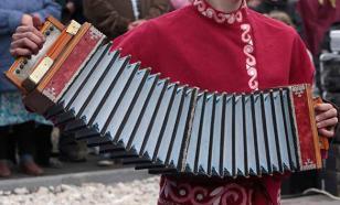 Русская гармонь: Вымирающая музыка?