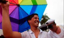 """Ученые объяснили """"противную"""" речь геев"""