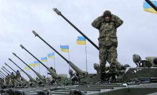 """Порошенко похвастался """"красавцами-танками"""", отправленными в Донбасс"""