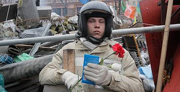 Евгений Лобачев: Россия сможет вмешаться в украинский конфликт, только если получит просьбу о помощи