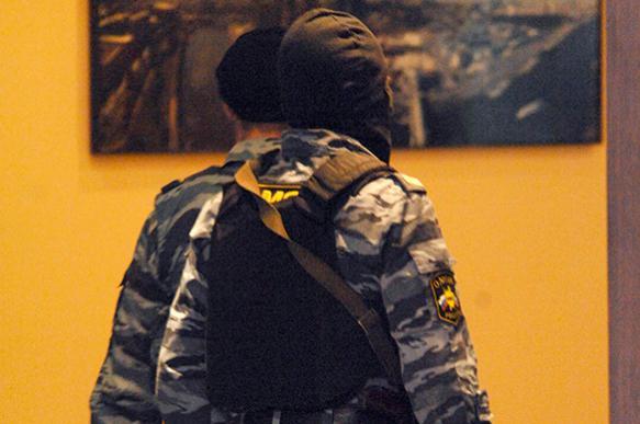 Росгвардия, ФСБ и МВД начали массовые задержания экстремистов