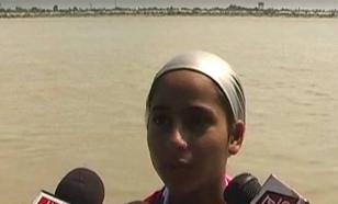 Индийская девочка отправилась в заплыв по реке длиной 570 километров