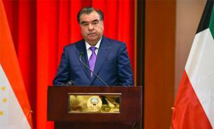 """Журналистов-таджиков заставили называть президента """"отцом и лидером"""""""