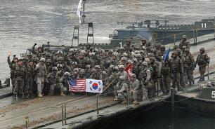 США эвакуируют 230 тысяч американцев перед войной с КНДР
