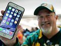 IPhone 6 доставляет неудобство пользователям тем, что гнется в кармане