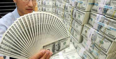 Александр Петров: Мир разрывают мощные экономические войны