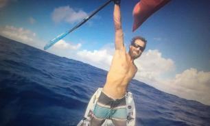 Житель ЮАР впервые в мире  пересек Атлантику на доске с веслом