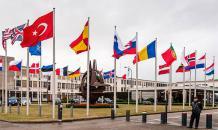 Тони Брентон признал: НАТО окружает Россию, Украина терзает Донбасс