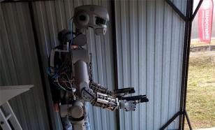 Запад напугал российский робот Федор