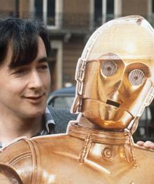 17 декабря состоится премьера седьмой части киноэпопеи  Звездные войны . Первый фильм под названием Star Wars вышел на экраны 25 мая 1977 года. Что за минувшие 38 лет изменилось в судьбе актеров, сыгравших в первой части.