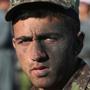Cолдаты национальной армии Афганистана под руководством инструкторов из США и Германии в специальном военном учебном центре в Кабуле провели тренировку по взятию вражеского укрепления. Учиться им приходится не на шутку — ведь большинство международных сил безопасности готовятся выйти из Афганистана к концу года. И местным военным придется тогда сражаться с моджахедами самим…