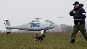 Наблюдателям ОБСЕ, выполняющим мониторинг российско-украинской границы, предоставили беспилотные летательные аппараты. Дроны, во всяком случае, по замыслу европейцев, будут использоваться для контроля за тем, чтобы с российской стороны не поставлялось оружие ополченцам на Юго-Востоке, а с украинской стороны не было разных провокаций на границе.