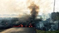 Жители острова Гавайи готовятся к эвакуации из-за приближения лавы от извержения вулкана Килауэа к жилым домам, говорится в сообщении американских СМИ.