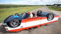 Когда на встречных водителей надвигается перевернутый автомобиль - они сходят с ума! Фотофакт.