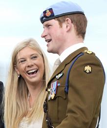 Принц Гарри Уэльский — пятый в очереди на британский престол, храбрый солдат и любитель благотворительности. Разве можно представить его до сих пор холостым? Посмотрите, кто отказался стать его принцессой!