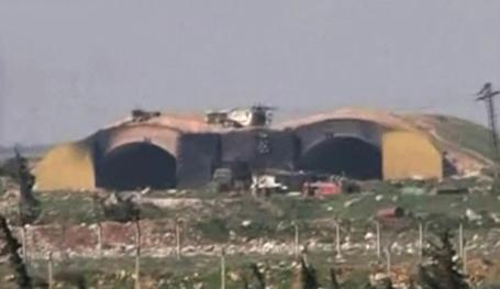 Авиабаза Шайрат после ракетного удара