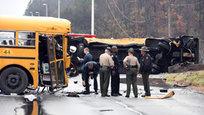 В американском штате Теннесси столкнулись два школьных автобуса. Двое детей погибли, более двадцати пострадали.