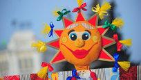 Блинные ряды, этнофестивали, прямые радио-включения со всей страной на Красной площади – в Москве сегодня начинают праздновать Масленую неделю.