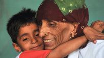75-летняя Райо Деви является, вероятно, самой старой материю в мире.