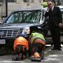 Лимузин Обамы застрял в воротах американского посольства в Ирландии