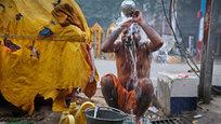 Интересное в мире: Новый год под водой, Кинг-Конг жив и зима в Индии