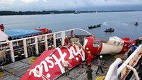 Спасатели подняли со дна Яванского моря бортовой самописец разбившегося самолета AirAsia