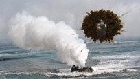 Несмотря на попытки двух Корей сблизиться и пойти на диалог, США не захотели отменять совместные военные учения с Южной Кореей в обмен на то, что КНДР не будет проводить новых испытаний ядерного оружия и тем самым создаст условия для межкорейского диалога. 13 января американские и южнокорейские войска все-таки начали двухдневные учения в Японском море и в прибрежной зоне.
