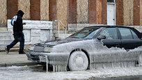 Минусовая температура установилась во всех 50 американских штатах, включая Гавайи и Флориду. В результате подобных аномальных для Соединенных Штатов температур погиб 21 человек. Как сообщается, в числе погибших как бездомные, так и те, кто разбился в ДТП на скользких дорогах.