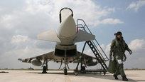 Военная база ВВС Италии Джоя-дель-Колле недалеко от Бари, провинция Апулия, проводит плановые учения по укреплению боеготовности летчиков, самолетов и всей вспомогательной техники.