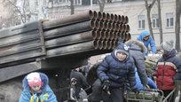 Прямо в центре украинской столицы на этой неделе устроили кладбище устаревших и ржавых автомобилей. Таким образом украинские власти стремятся доказать  факты российской агрессии на Украине . На самом деле организаторы шоу продемонстрировали только собственное невежество и отсутствие знаний в области военной техники.