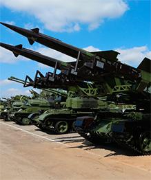 На Кубе не избавлялись от старой техники советских времен. Ее переделали так, что диву даешься, что вся она в боевой готовности. Попробуй, сунься!
