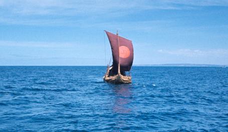 В апреле 2002 года ушел из жизни выдающийся норвежский археолог, путешественник и писатель, написавший массу увлекательнейших книг, Тур Хейердал. Эта подборка фотоснимков посвящается его памяти.