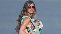 Кто сказал, что женщина после родов полнеет и растет вширь? Бразильская супер-модель Жизель Бундхен собственной фигурой демонстрирует, что форму можно сохранять в любой ситуации.